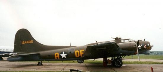 b-17-memphis-belle-3.jpg