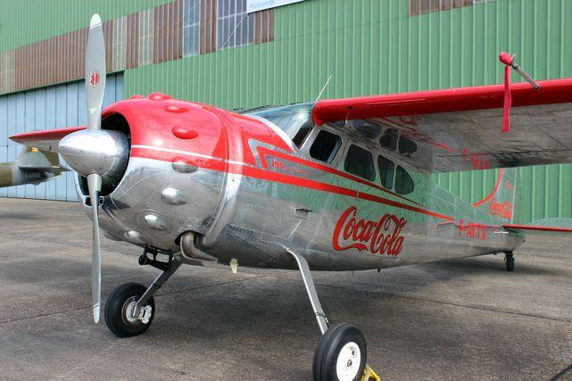 Cessna 195 2