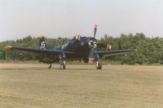 ferte-1988-skyraider-2.jpg