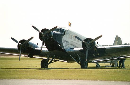 junkers-ju-52-tfc-s-grey-3.jpg
