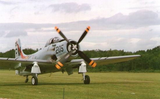 skyraider-hanzal-3.jpg