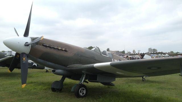 spitfire-mk-xix.jpg