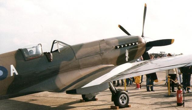 supermarine-spitfire-mk-xiv-3.jpg